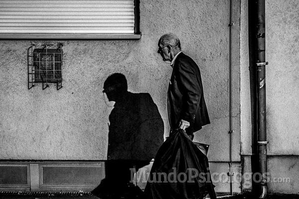 Como a psicologia pode ajudar um idoso?